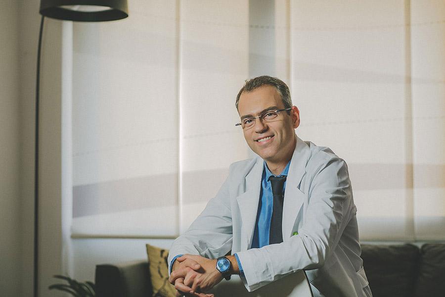 Ευάγγελος Ακτσαλής - Πλαστικός χειρουργός στην Θεσσαλονίκη