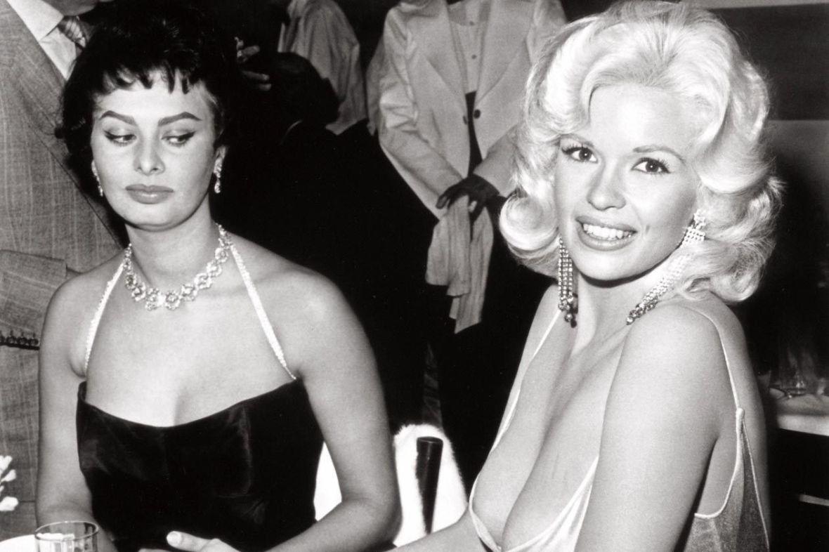 ΜΕ ΔΙΑΦΟΡΑ ΣΤΗΘΟΥΣ: Αναδείξτε την θηλυκότητά σας με τις σύγχρονες, ανώδυνες μεθόδους πλαστικής στήθους